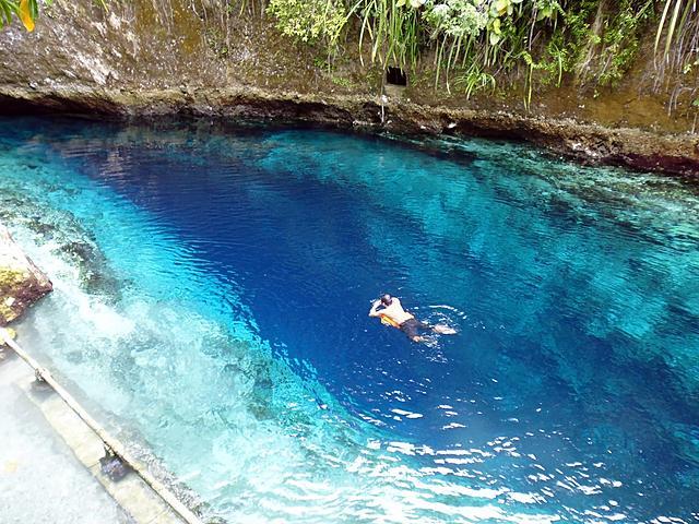 世界上最美的藍色-菲律賓魔幻之河【Enchanted River】