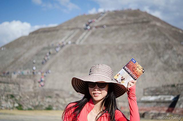 走在墨西哥的亡靈大道上